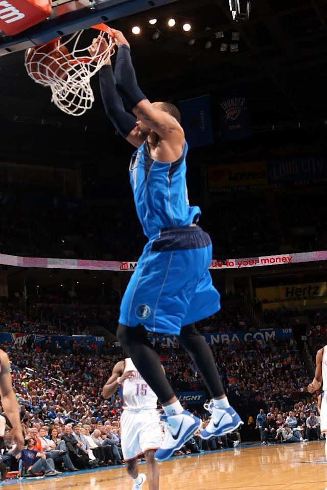 OKLAHOMA CITY, OK - MARCH 16: Shawn Marion #0 of the Dallas Mavericks dunks against the Oklahoma City Thunder on March 16, 2014 at the Chesapeake Energy Arena in Oklahoma City, Oklahoma. (Photo by Layne Murdoch/NBAE via Getty Images)