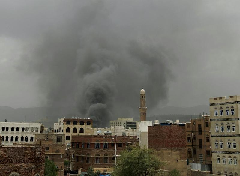 An air-strike by the Saudi-led coalition hit the headquarters of the Special Security Forces on May 27, 2015 in the Yemeni capital Sanaa (AFP Photo/)