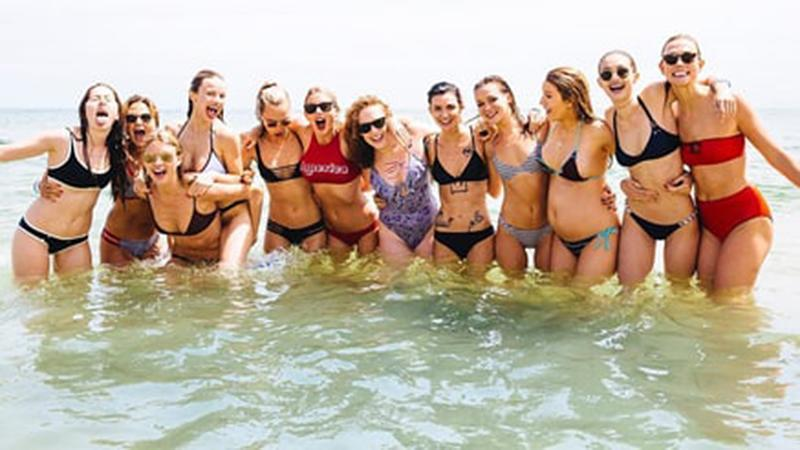 All the pix of Taylor Swift's squad — including this one of her crew at her beach house last summer — are gone. (Photo: Taylor Swift via Instagram)