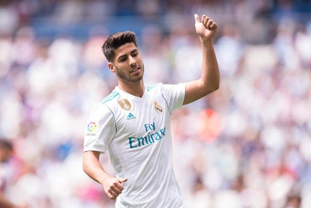 Marco Asensio cannot pull his socks up