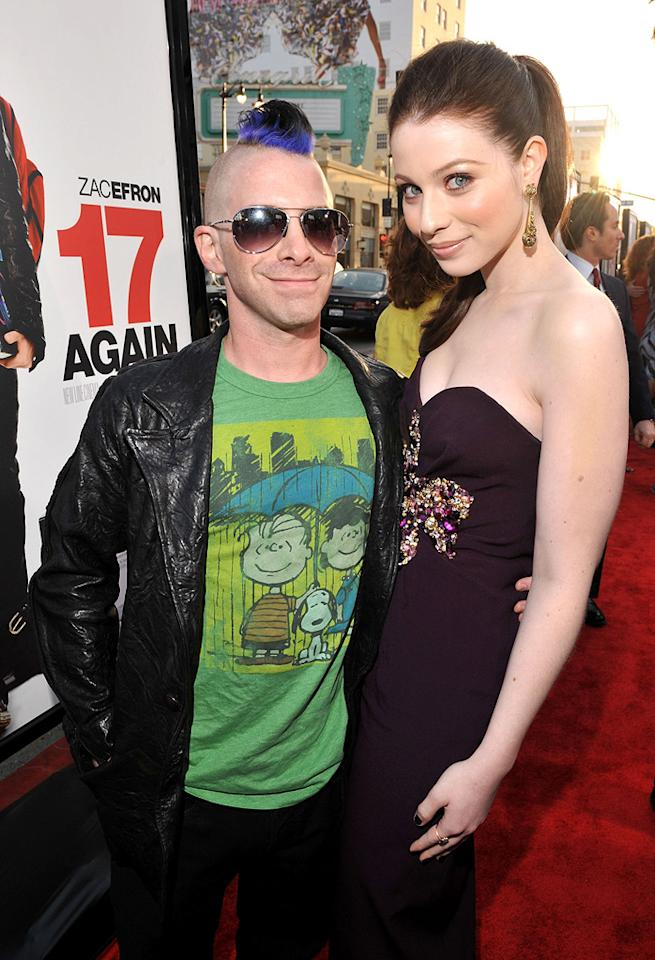 "<a href=""http://movies.yahoo.com/movie/contributor/1800018683"">Seth Green</a> and <a href=""http://movies.yahoo.com/movie/contributor/1800019074"">Michelle Trachtenberg</a> at the Los Angeles premiere of <a href=""http://movies.yahoo.com/movie/1810038675/info"">17 Again</a> - 04/14/2009"