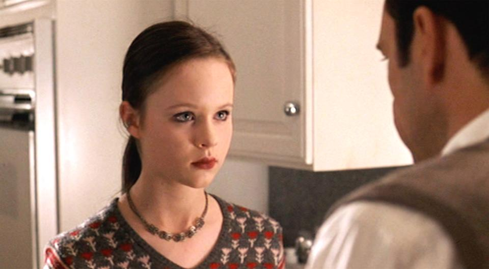 """LOS ANGELES - OCTOBER 1: The movie """"American Beauty"""", directed by Sam Mendes and written by Alan Ball.  Seen here from left, Thora Birch as Jane Burnham facing Kevin Spacey (as Lester Burnham).  Initial theatrical wide release October 1, 1999.  Screen capture. A Paramount Picture. (Photo by CBS via Getty Images)"""