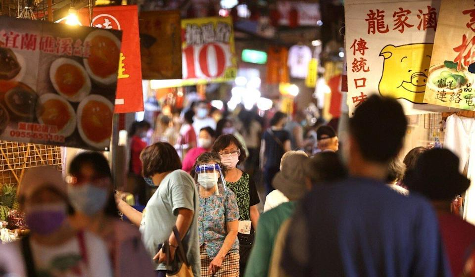 A limited reopening of night markets has begun in Taipei. Photo: Reuters