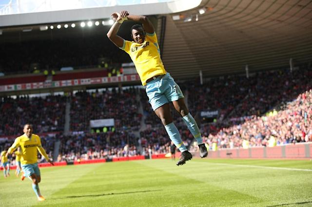 Crystal Palace's French-born Congolese midfielder Yannick Bolasie celebrates scoring a goal during the English Premier League football match in Sunderland, England, on April 11, 2015 (AFP Photo/Ian MacNicol)