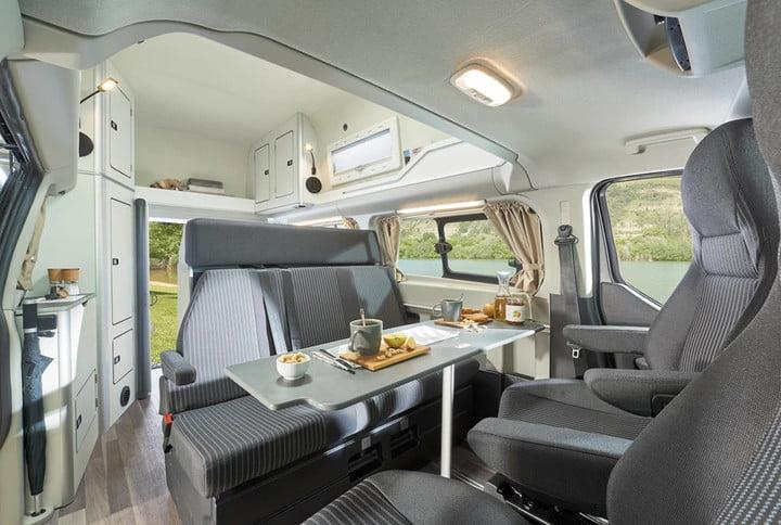 Ford S Transit Custom Nugget Lines Up Against The Volkswagen California