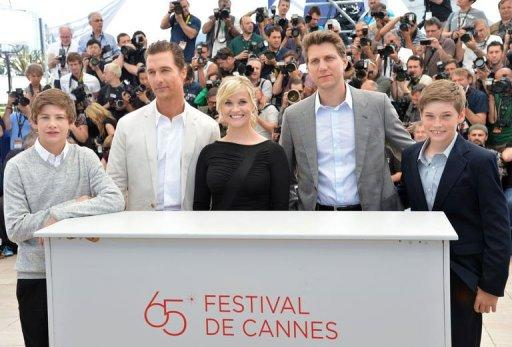 "(From L) US actors Tye Sheridan, Matthew McConaughey and Reese Witherspoon, director Jeff Nichols and actor Jacob Lofland pose during the photocall of their film ""Mud"" presented in competition at the 65th Cannes film festival. Cannes moored up on the Mississippi on Saturday with ""Mud"", a Huckleberry Finn-like tale about two boys, a fugitive, and the search for true love that wrapped up the race"