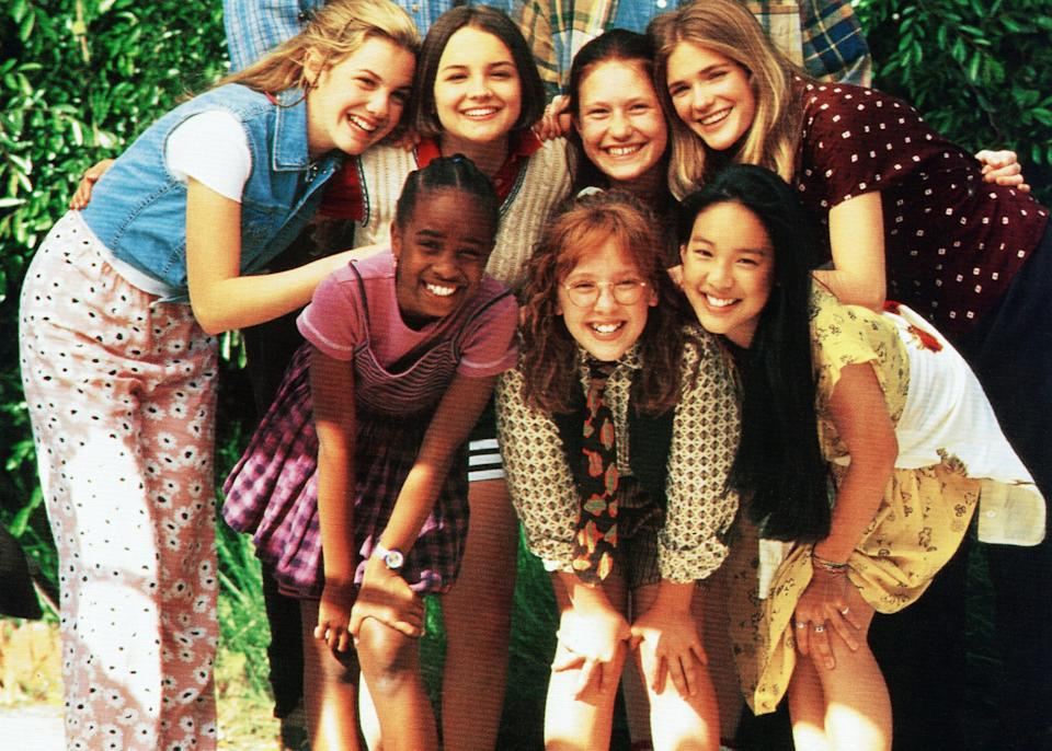 THE BABY-SITTERS CLUB, front from left: Zelda Harris, Stacey Linn Ramsower, Tricia Joe, rear from left: Larisa Oleynik, Bre Blair, Schuyler Fisk, Rachael Leigh Cook, 1995,  Columbia/courtesy Everett Collection