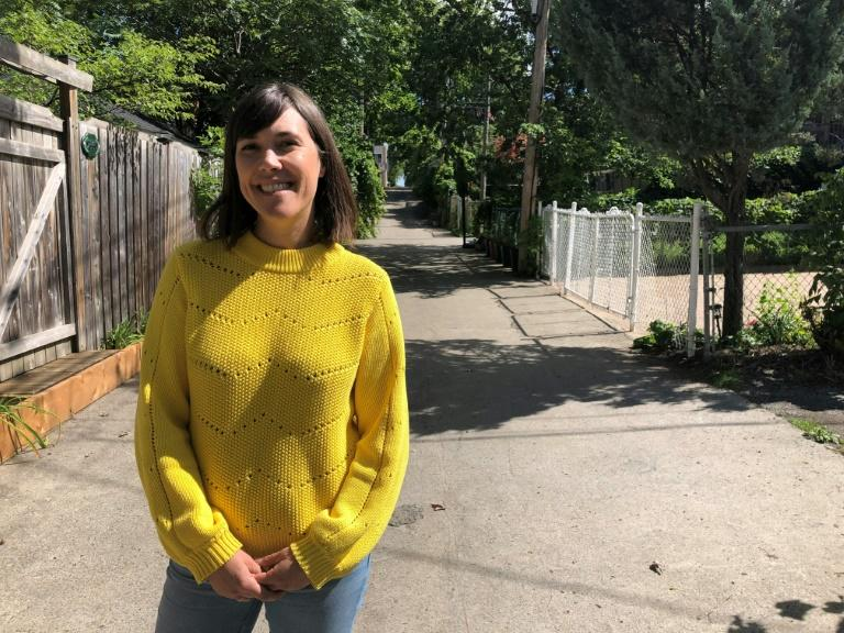 Back alleys become green oases for pandemic-weary Montreal