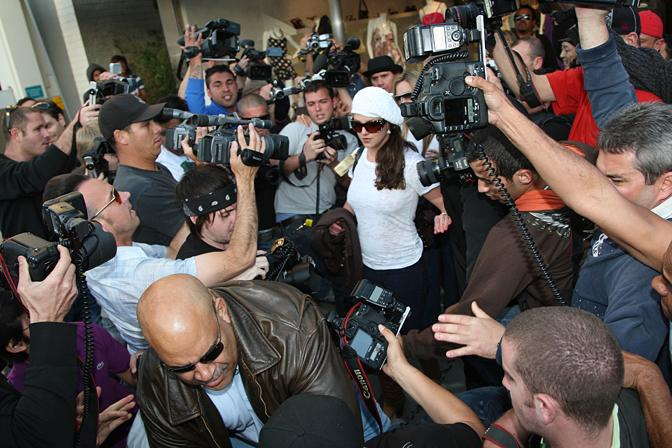 Former paparazzo spills the beans on secretive trade