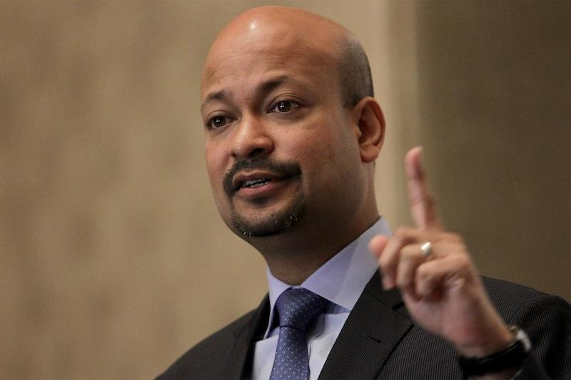 Arul Kanda tried to depict his role in the troubled state investment firm as purely limited to the business end. — Picture by Mohd Yusof Mat Isa