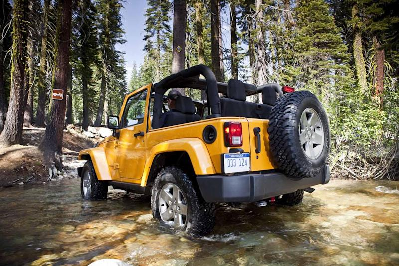 Fiat Chrysler recalls more than half a million Jeep Wranglers for off-road problem