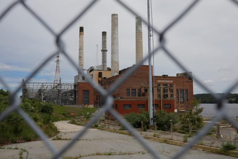U.S. coal-fired power plants closing fast despite Trump's pledge of support for industry