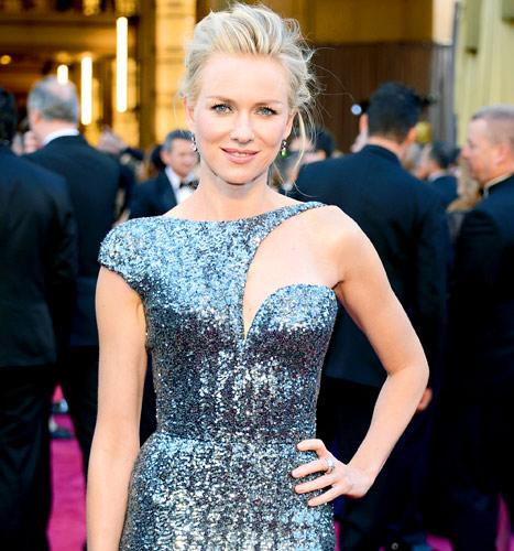 "Naomi Watts Won't Rule Out Plastic Surgery, But Says Some Results Can ""Look Freakish"""