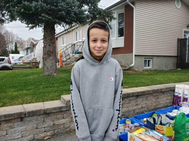 Châteauguay Food Bank needed donations, so an 11-year-old boy stepped up to the challenge