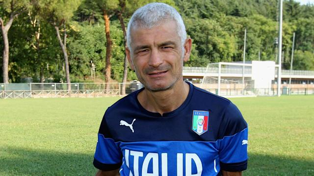 Dundee are in danger of slipping out of the Scottish Premiership, but former striker Fabrizio Ravanelli believes he can rescue them.