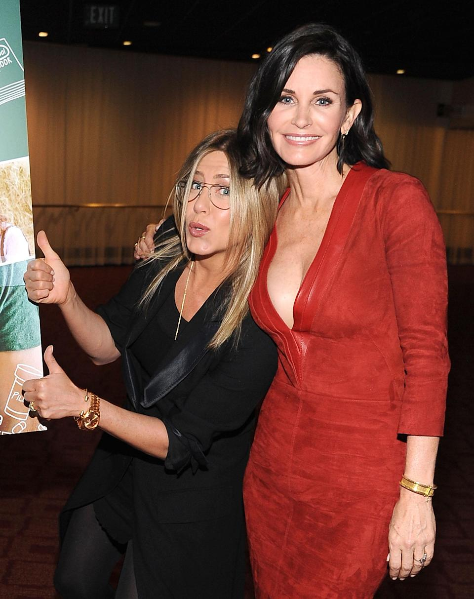 <p>Courteney Cox directed this film, which Jennifer came along to support.<em> [Photo: Getty]</em> </p>
