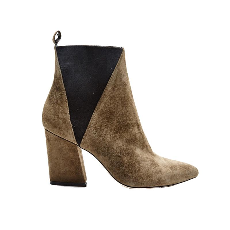 """<a rel=""""nofollow"""" href=""""https://askacollection.com/collections/what-s-new/products/troy?variant=5900717059"""">Troy Boots, ASKA, $425<p>An angled block heel adds subtle interest to this pair's otherwise straightforward shape. The khaki suede hue is a perfect neutral to team with all manner of wardrobe staples.</p> </a><ul>     <strong>Related Articles</strong>     <li><a rel=""""nofollow"""" href=""""http://thezoereport.com/fashion/style-tips/box-of-style-ways-to-wear-cape-trend/?utm_source=yahoo&utm_medium=syndication"""">The Key Styling Piece Your Wardrobe Needs</a></li><li><a rel=""""nofollow"""" href=""""http://thezoereport.com/beauty/celebrity-beauty/kim-kardashian-psoriasis-face/?utm_source=yahoo&utm_medium=syndication"""">This Skin Concern Is Now Affecting Kim Kardashian's Face</a></li><li><a rel=""""nofollow"""" href=""""http://thezoereport.com/entertainment/celebrities/serena-williams-engagement-ring/?utm_source=yahoo&utm_medium=syndication"""">Serena Williams Revealed Her Engagement Ring In The Most Unassuming Way</a></li></ul>"""