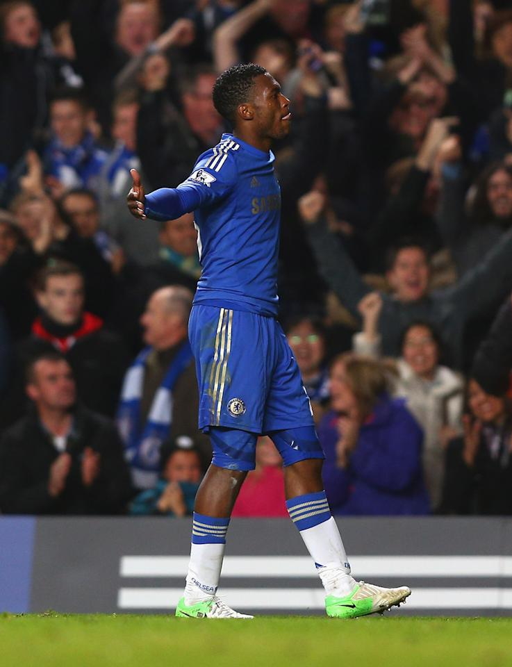 LONDON, ENGLAND - OCTOBER 31:  Daniel Sturridge of Chelsea celebrates his goal during the Capital One Cup Fourth Round match between Chelsea and Manchester United at Stamford Bridge on October 31, 2012 in London, England.  (Photo by Clive Rose/Getty Images)