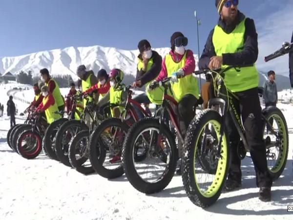Winter games organised to boost tourism in Gulmarg