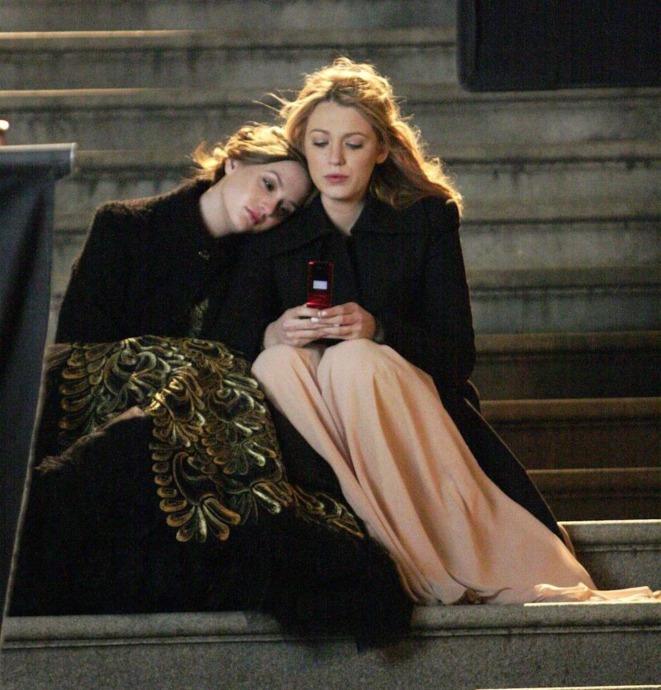 """<p>These two friends dress like it's prom on the daily with sky-high heels, luxe dresses and accessories galore. Come prom night, Blair and Serena pulled out all the stops with elegant gowns and curled tresses. </p><p><strong>RELATED: </strong><a href=""""https://www.goodhousekeeping.com/life/entertainment/g22626656/tv-best-friends/"""" rel=""""nofollow noopener"""" target=""""_blank"""" data-ylk=""""slk:20 TV Best Friends That Have Given Us Major Friendship Goals"""" class=""""link rapid-noclick-resp"""">20 TV Best Friends That Have Given Us Major Friendship Goals</a></p><p><a class=""""link rapid-noclick-resp"""" href=""""https://www.amazon.com/Gossip-Girl-Season-1/dp/B000W7VHVC?tag=syn-yahoo-20&ascsubtag=%5Bartid%7C10063.g.36197518%5Bsrc%7Cyahoo-us"""" rel=""""nofollow noopener"""" target=""""_blank"""" data-ylk=""""slk:STREAM NOW"""">STREAM NOW</a></p>"""