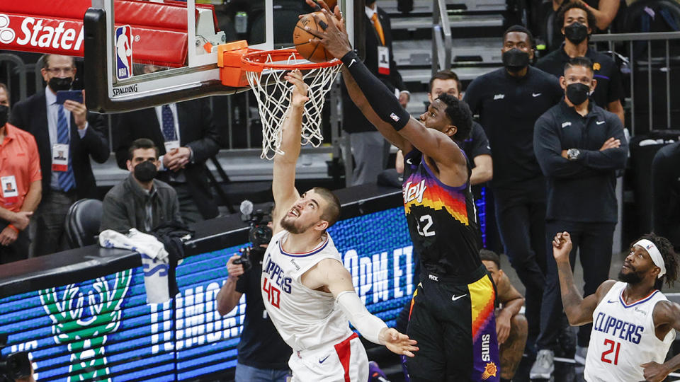 DeAndre Ayton's dunk over Ivica Zubac won the game for Phoenix over the Clippers. (Photo by Christian Petersen/Getty Images)