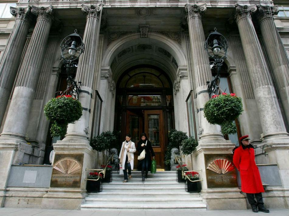 This is The Mandarin Oriental Hyde Park, a five star hotel on Knightsbridge is one of London's finest luxury hotels.