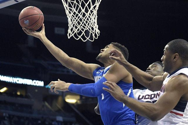 """<a class=""""link rapid-noclick-resp"""" href=""""/ncaab/players/131156/"""" data-ylk=""""slk:Dedric Lawson"""">Dedric Lawson</a> was one of the best players in the American Athletic Conference this past season. (AP)"""