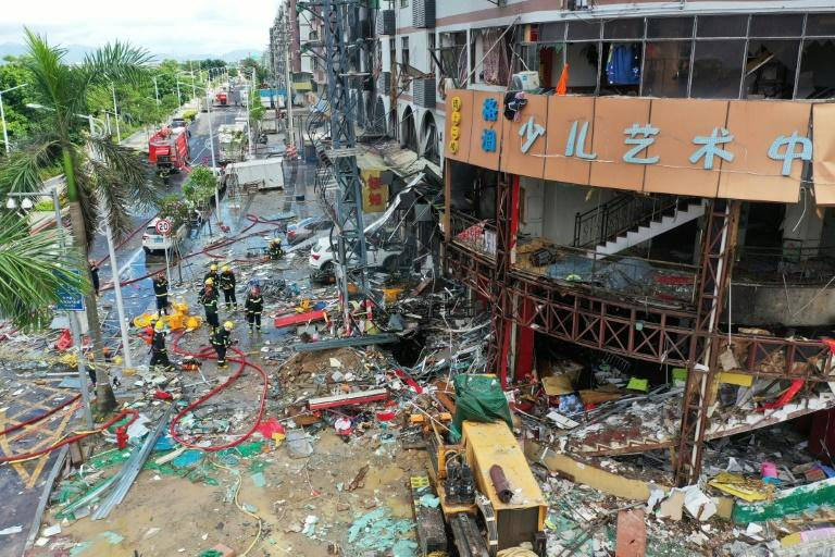 Gas explosion rips through hotel in China