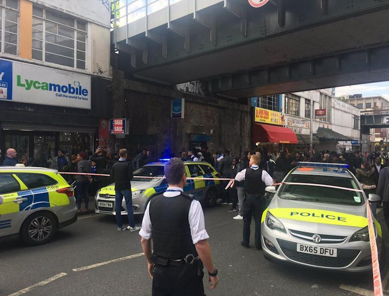 The crime scene on Rye Lane on Friday afternoon: Twitter/ Chad O'Carroll‏