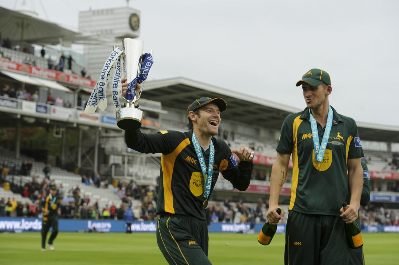 Nottinghamshire's Chris Read celebrates winning the orkshire Bank Pro40 Finalduring the Yorkshire Bank Pro40 Final at Lord's Cricket Ground, London.