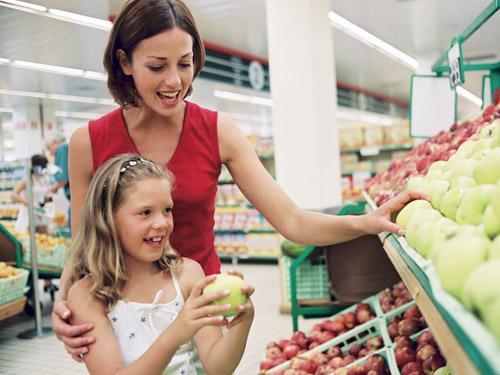 mother and child in grocery store