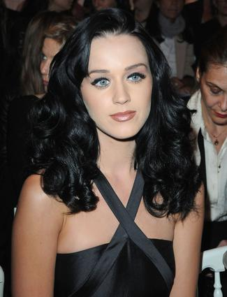 "<div class=""celebname""><a target=""_blank"" href=""/virtual-makeover/celebrity-hairstyles/katy-perry/"">I Kissed A Girl</a>                                                 </div><!--  Slide Title  -->                                                                                                    <p>                                                     <span class=""infotext""><a href=""/hairstyles/katy-perry/"">Katy Perry</a> first nabbed our attention when she ""kissed a girl."" But this shot of a young Perry, with <a href=""/blogs/"">sky-high lashes</a> and retro eyeliner had us wondering if she was <a href=""/hairstyles/zooey-deschanel/"">Zooey Deschanel's</a> long-lost twin.  <br></span>                                                     <br>                                                        <a target=""_blank"" href=""/virtual-makeover/celebrity-hairstyles/katy-perry/"" class=""callout"">Try on Katy Perry's hairstyles in the Makeover Studio!</a><!--  Slide Link  -->                                                     <br>                                                        <br>                                                    </p>"