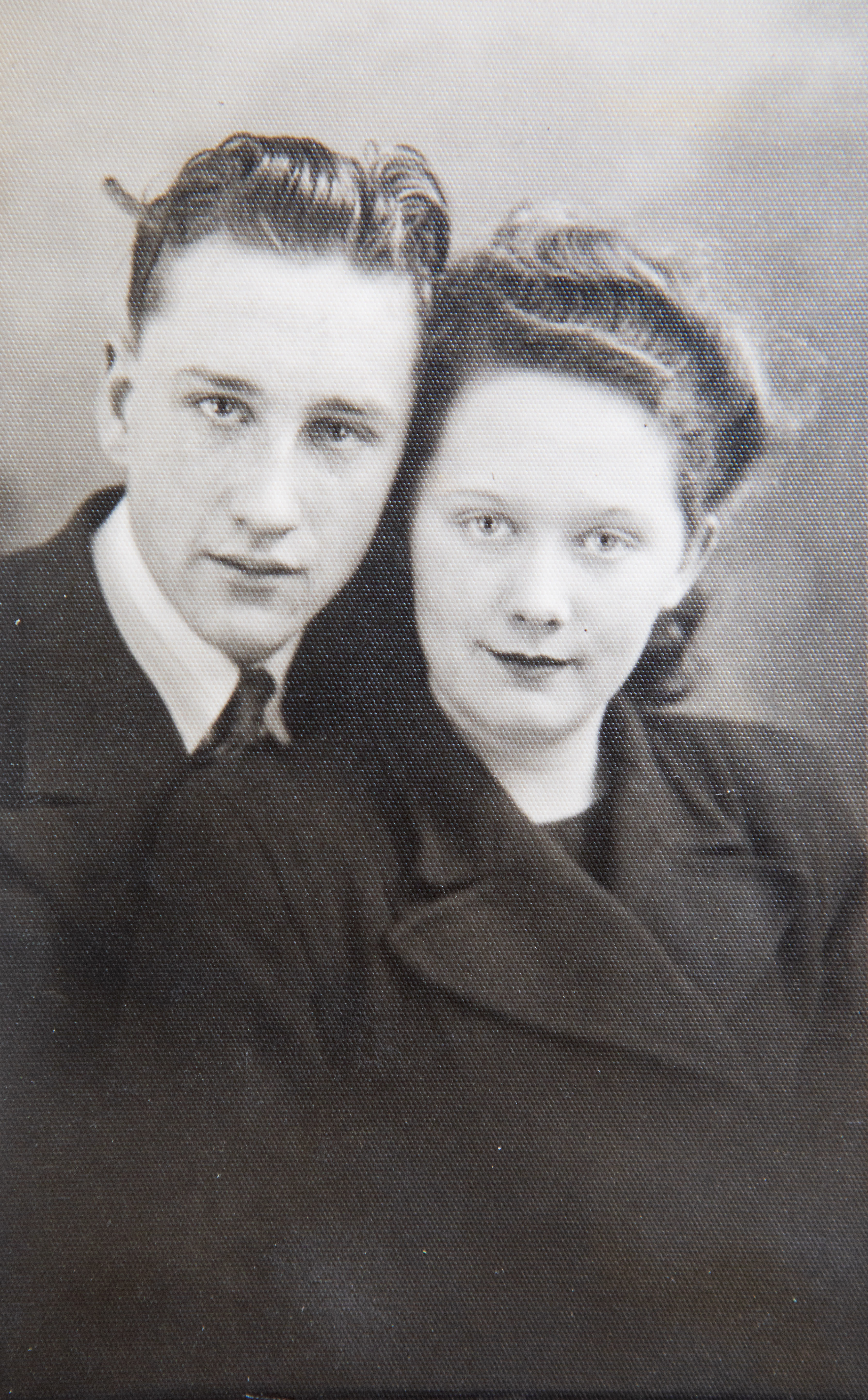 Robert, 93, and Alison Snaddon, 91, met when they were 15 and 17. [Photo: SWNS]
