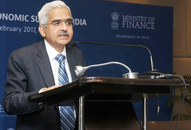 """RBI Governor Shaktikanta Das has made it clear that if any governance lapses are noticed, the concerned NBFCs """"will have to take a larger cut themselves"""""""