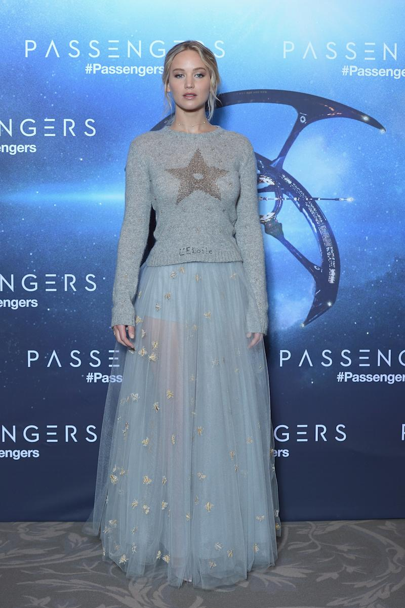"""Jennifer Lawrence attends the """"Passengers"""" Paris Photocall at Hotel George V on November 29, 2016 in Paris, France."""