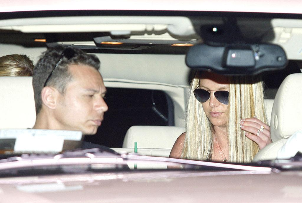 """With all the damaging things she's done to her hair over the years, it's great to see Britney leaving West Hollywood's B2V Salon with a healthy-looking mane ... even if it happens to be faux. Gossip Society/<a href=""""http://www.splashnewsonline.com"""" target=""""new"""">Splash News</a> - April 11, 2008"""