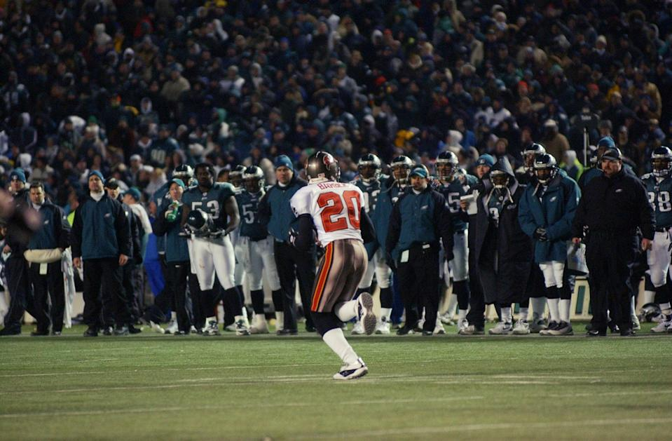 Ronde Barber's pick-6 of Donovan McNabb in an NFC title game was a burning memory for Eagles fans. (Getty Images)