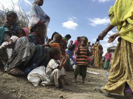 Malnourished children wait for medical attention at the Halo health post in Halo village, a drought-stricken area in Oromia region in Ethiopia, January 31, 2016.  REUTERS/Edmund Blair