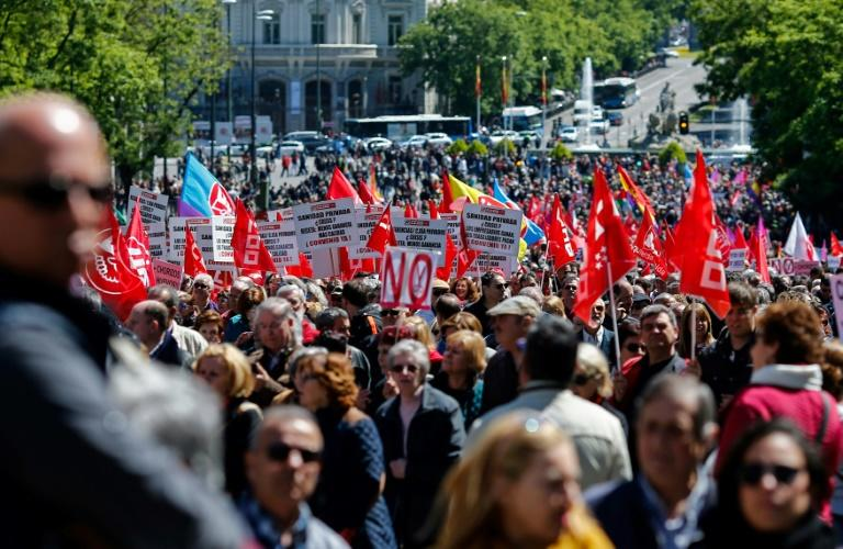 May Day demonstration in Madrid focuses on corruption as another scandal for the conservative PP party erupts