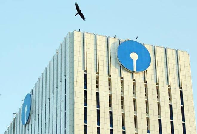 SBI has asked customers to submit applications for new cheque books for  replacement of the old cheque books. IFSC codes of these banks will also  become invalid from September 30.<br />