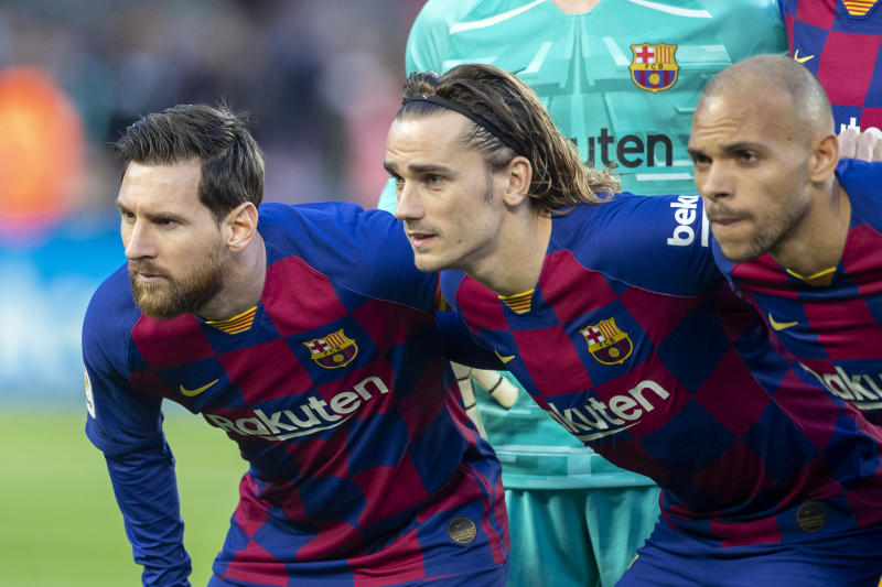 BARCELONA, SPAIN - March 7: Lionel Messi #10 of Barcelona, Antoine Griezmann #17 of Barcelona and Martin Braithwaite #19 of Barcelona during the pre match team photograph before the Barcelona V Real Sociedad, La Liga regular season match at Estadio Camp Nou on March 7th 2020 in Barcelona, Spain. (Photo by Tim Clayton/Corbis via Getty Images)