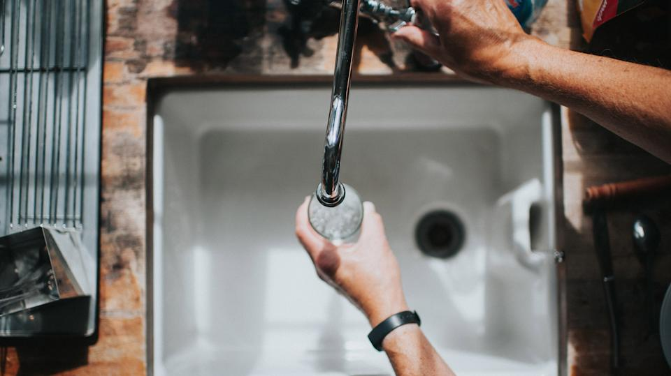 A new Environmental Working Group study says there are toxic pollutants in U.S. drinking water that could lead to cancer. (Photo: Getty Images)