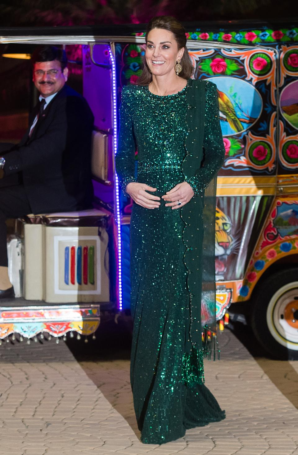 The royal wore a bespoke, emerald green Jenny Packham gown for the occasion, with a dupatta draped over her left shoulder. <em>[Photo: Samir Hussein/WireImage]</em>