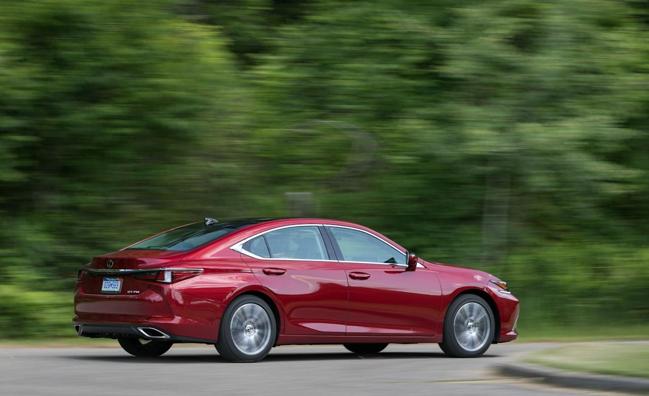 <p>The flowing body lines that all seemingly billow toward the back of the car from the signature Lexus hourglass-shaped grille adds elegance. You're liable to actually remember seeing this quietly dramatic ES, a notable departure from previous versions, which were immediately forgettable. </p>