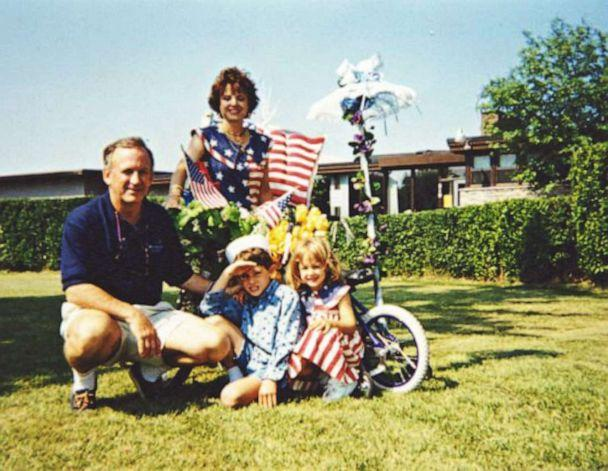 PHOTO: JonBenét Ramsey with her older brother, mother and father. (John Ramsey)