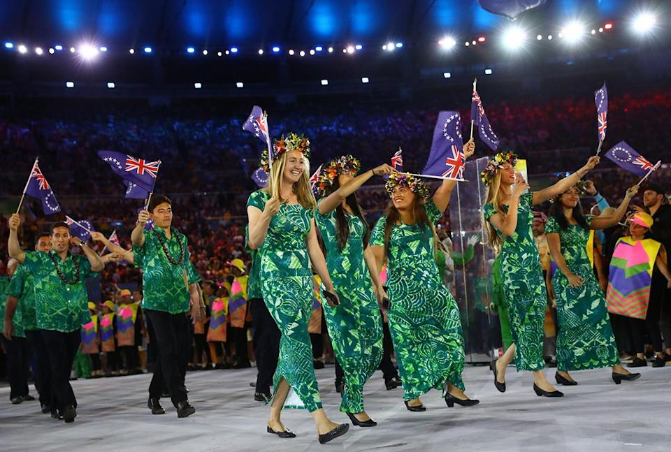 <p>The Cook Islands, way out in the South Pacific near New Zealand, chose not to opt for a conservative look. In tropical floral prints in green, the women finished off with flower crowns. Festival dress made almost chic again.</p><p><i>(Photo: Reuters)</i><br></p>