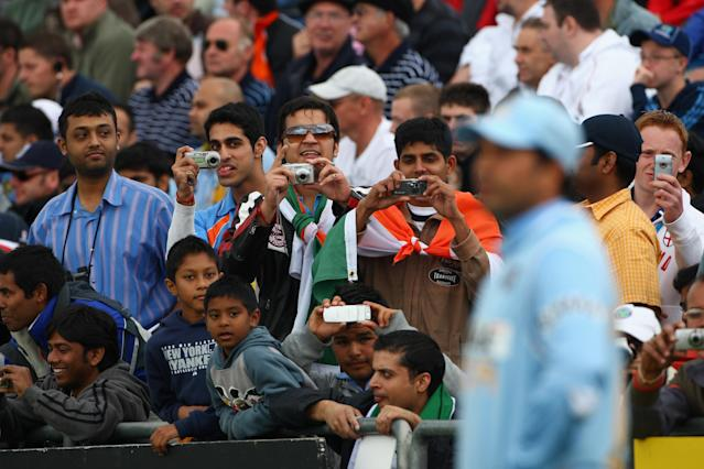 LEEDS, UNITED KINGDOM - SEPTEMBER 02: Fans take pictures of Sachin Tendulkar of India during the 5th NatWest One Day International match between England and India at Headingley on September 2, 2007 in Leeds, England. (Photo by Tom Shaw/Getty Images)