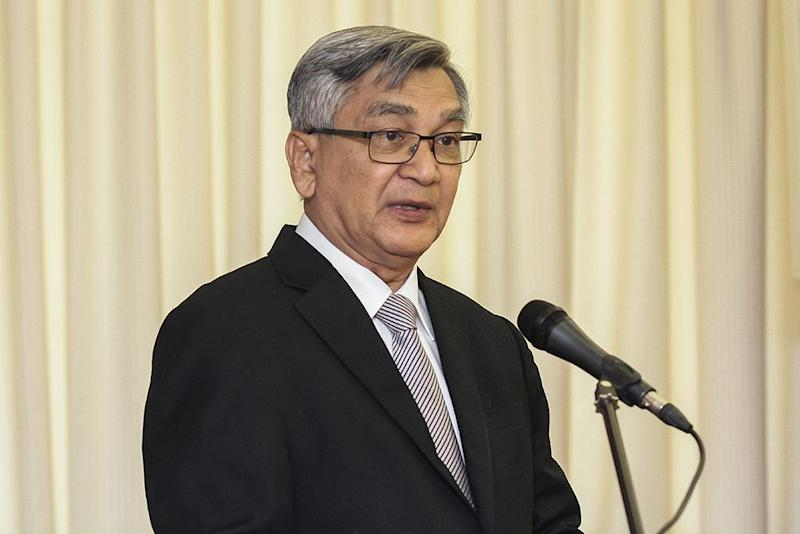 Datuk Mohamad Ariff Md Yusof says the Speaker does not have to be overtly-strict like a headmaster, since all the parliamentarians understand their roles. — Picture by MIera Zulyana