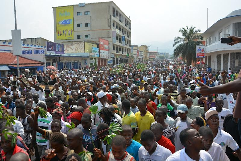 Demonstrators march on February 13, 2016 in Bujumbura during a protest against Rwanda (AFP Photo/)