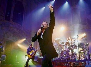 Simple Minds in Hamburg: Stadion-Rock mal ganz intim